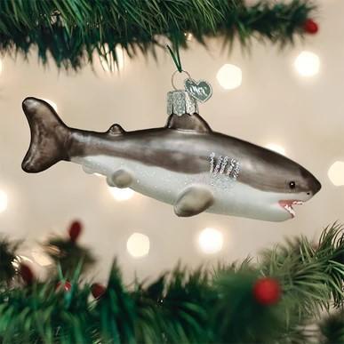 old-world-christmas-ornament-great-white-shark-6.jpg.441ef411a5f3913952936702dfff88a9.jpg